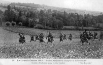 Soldados franceses cargando a la bayanota durante la batalla de Mulhouse