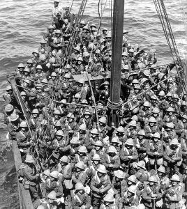 536px-Lancashire_Fusiliers_boat_Gallipoli_May_1915