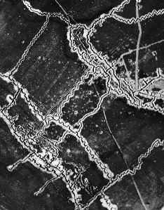 468px-Schwaben_Redoubt_aerial_photograph_10-05-1916_IWM_HU_91107